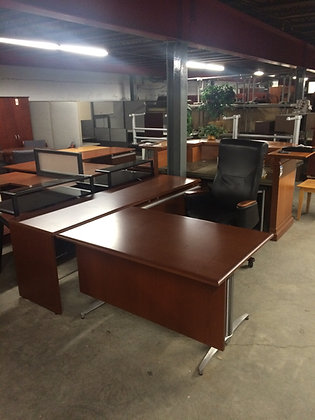 #168, Pre-Owned Knoll L Shaped Desks