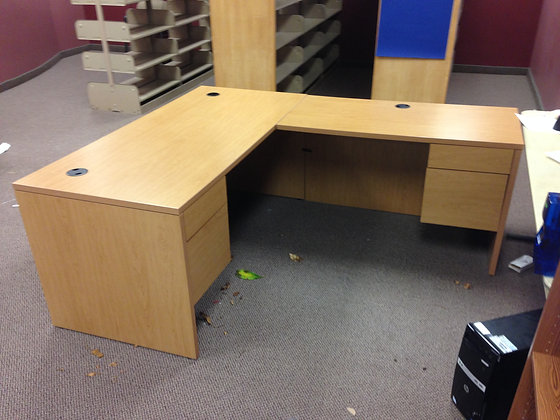 #190, Pre-Owned Hon L-Shaped Desk