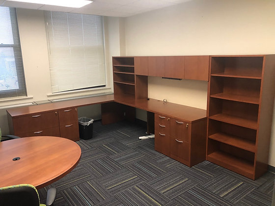#479, Pre-Owned Steelcase Desk Suite