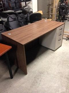 "#313, Pre-Owned 30"" x 60"" Single Pedestal Desks"