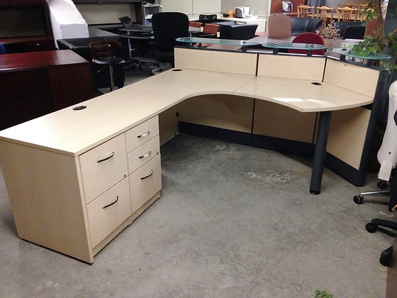 #252, Pre-Owned L-Shaped Reception Desk