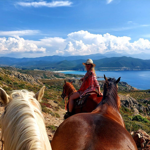 25 au 29 MAi 2022 :Randonner en Pleine Conscience  EN CORSE - 5 jours en immersion avec les chevaux.