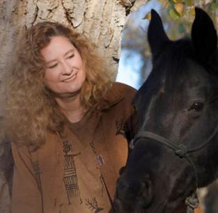 Linda Kohanov et la Voie du Cheval : une interview exclusive par Sylvain Gillier