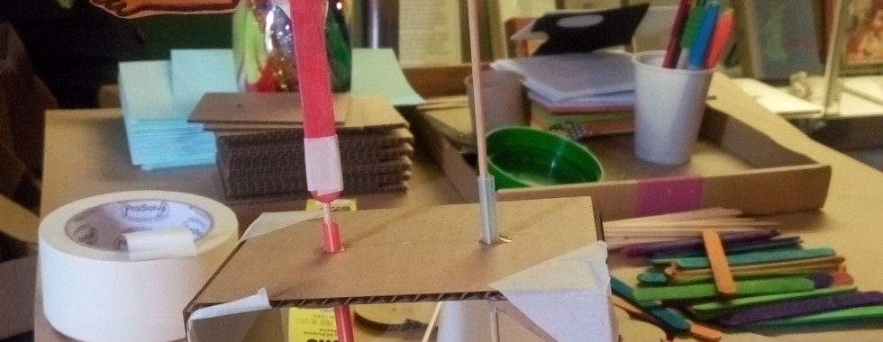 Automata contraptions designed by the participants (1)