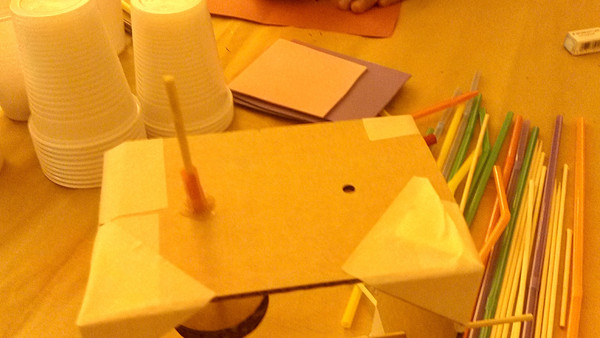 Children participating in the automata workshops (2)