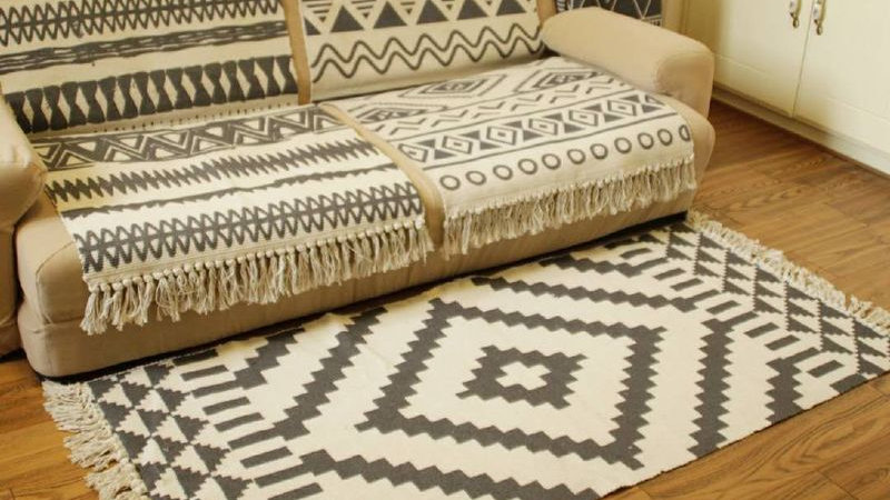 Cotton and Linen Tassel Rugs