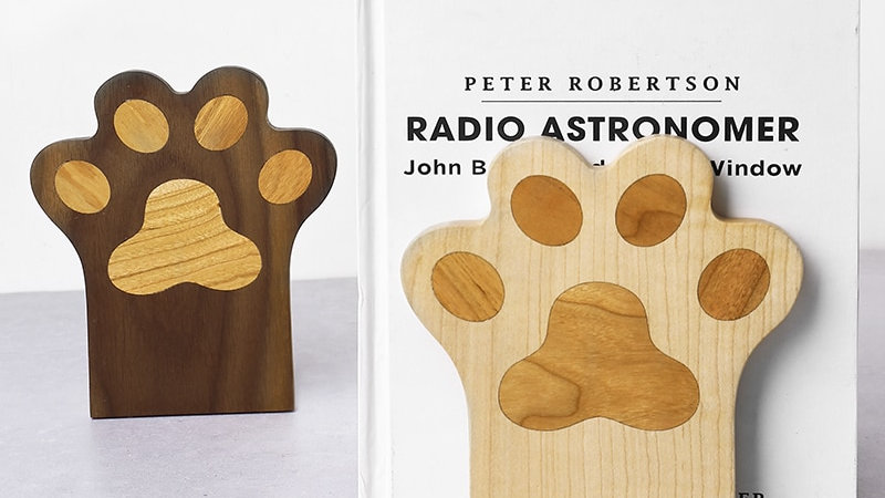 Cat Paw Walnut Wood Book Stand