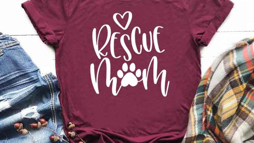 Rescue Mom Print T-shirt