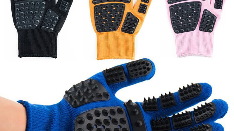 Pet Brushing and Grooming Glove