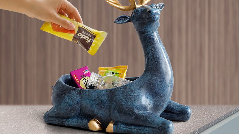 Deer Storage Décor