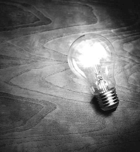 light-bulb-1246043_1280_edited_edited.jpg