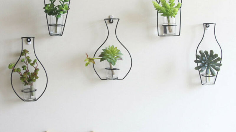 1x Iron Frame Vase Wall Decor