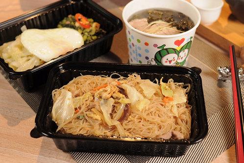 【東方龍】古早味米食便當 古早味炒米粉