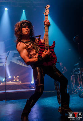 Steel Panther at Plaza Live 10-19 -33.jp