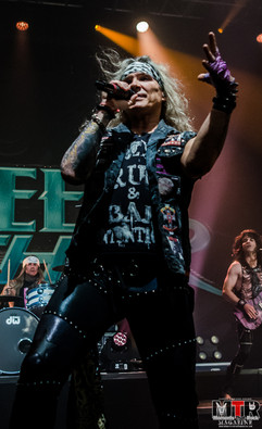 Steel Panther at Plaza Live 10-19 -21.jp