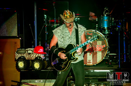 Ted Nugent at Peabody 8-19-14.jpg