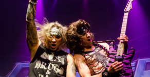 Steel Panther 'Signs' Into Orlando