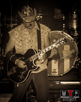 Ted Nugent at Peabody 8-19-15.jpg