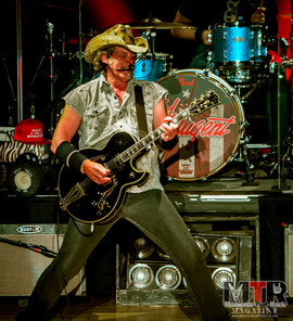 Ted Nugent at Peabody 8-19-27.jpg