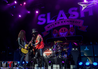 Slash & Myles Kennedy at Hard Rock Live