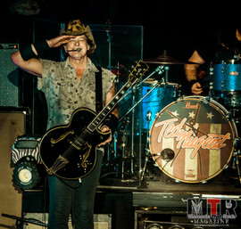 Ted Nugent at Peabody 8-19-45.jpg