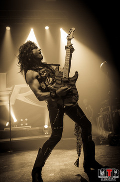 Steel Panther at Plaza Live 10-19 -32.jp