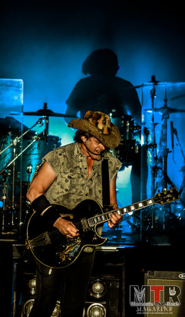 Ted Nugent at Peabody 8-19-54.jpg