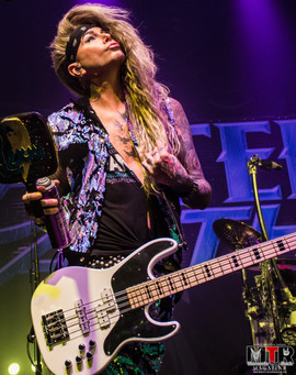 Steel Panther at Plaza Live 10-19 -11.jp