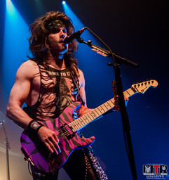 Steel Panther at Plaza Live 10-19 -34.jp