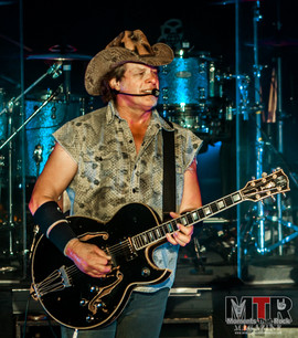 Ted Nugent at Peabody 8-19-61.jpg