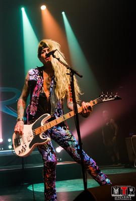 Steel Panther at Plaza Live 10-19 -29.jp