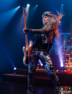 Steel Panther at Plaza Live 10-19 -35.jp