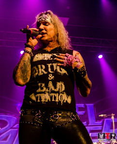 Steel Panther at Plaza Live 10-19 -44.jp