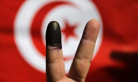 انتخابات تونس: طوق النجاة لجماعة الإخوان المسلمين؟