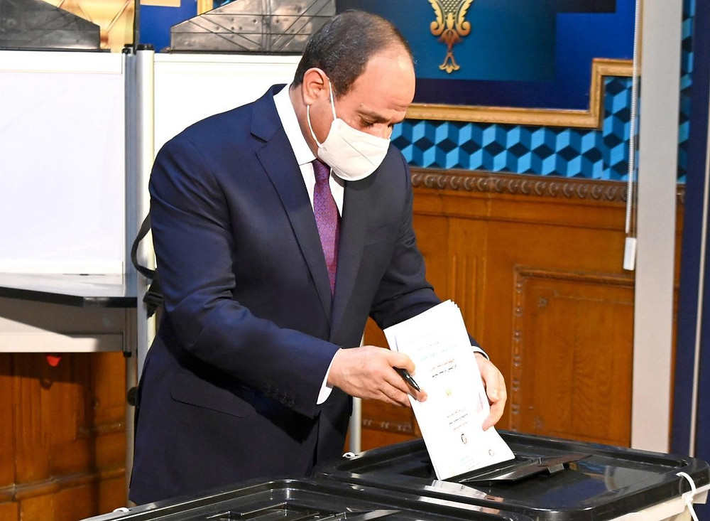 Egyptian president El-Sisi voting at Senate Elections