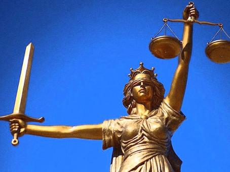 بين مسارح الحرية ومراعي العدالة: ملاسنات في فلسفة الحكومة الراشدة