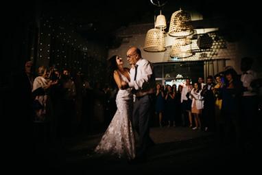 indoor_dancefloor_mariage_masdarvieux