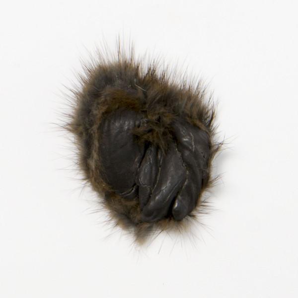 2015 11x8cm grès noir émaillé et fourrure