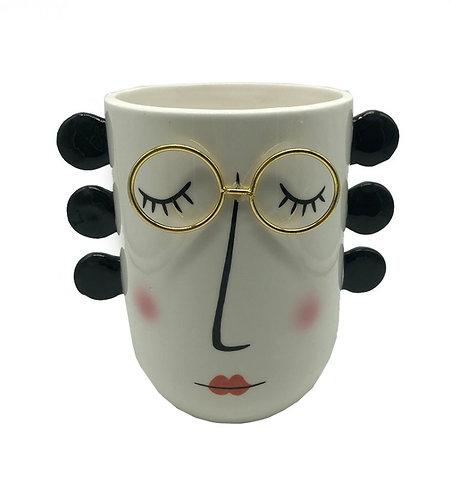 כד פיאקסו עם משקפיים