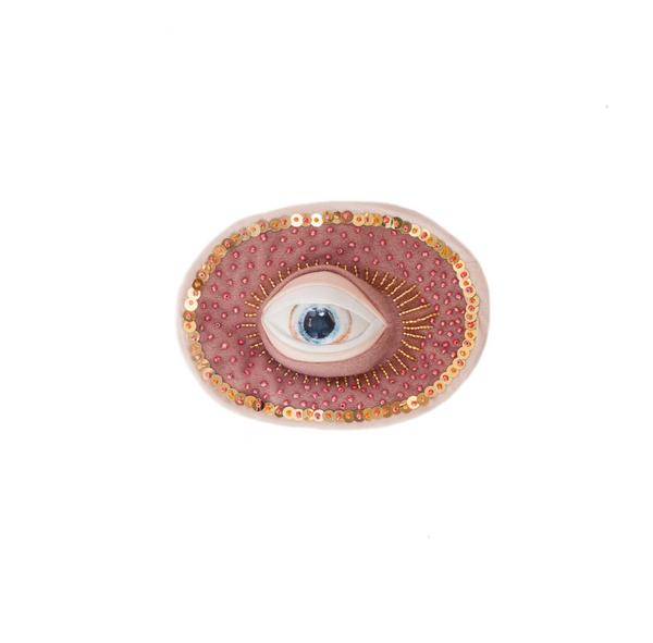 2019 14x11 cm oeil en porcelaine, perles de rocaille, sequins et tissu synthétique   © Romain Bauer