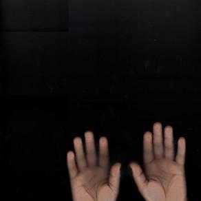 10 Hands, 50 Fingers