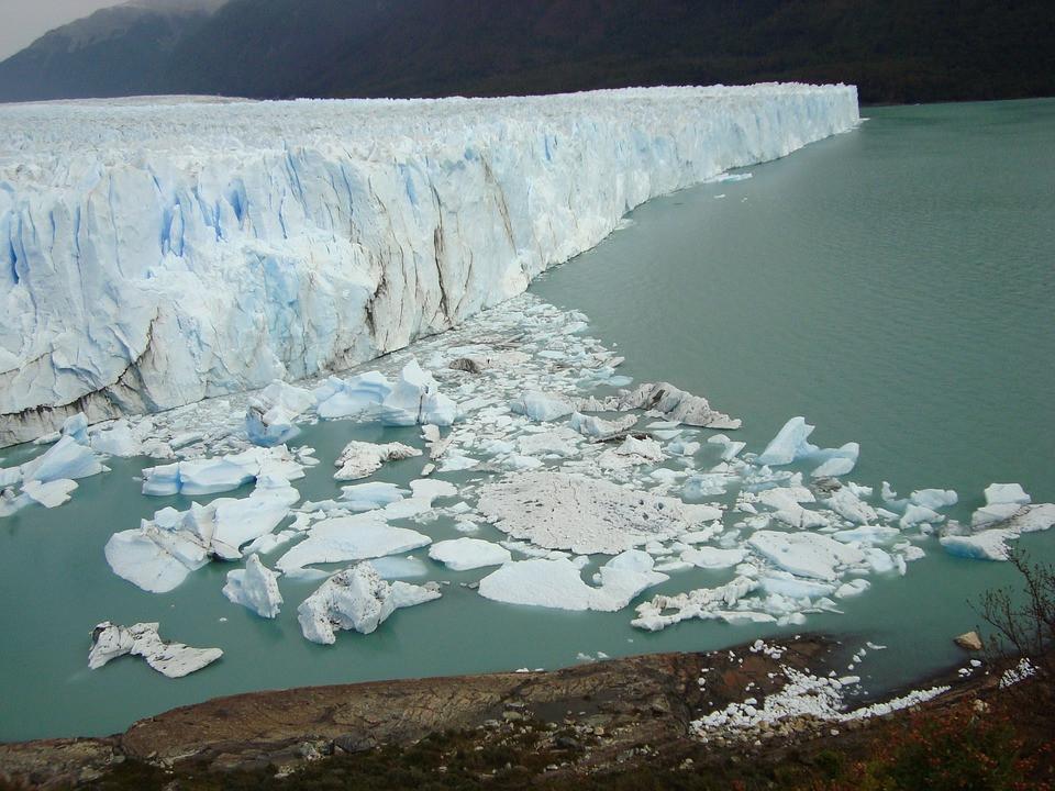 Glaciar fragmentándose
