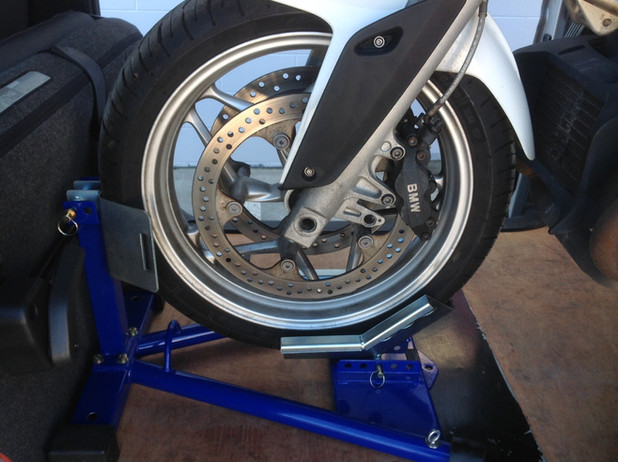 bike movers wheel lock.JPG
