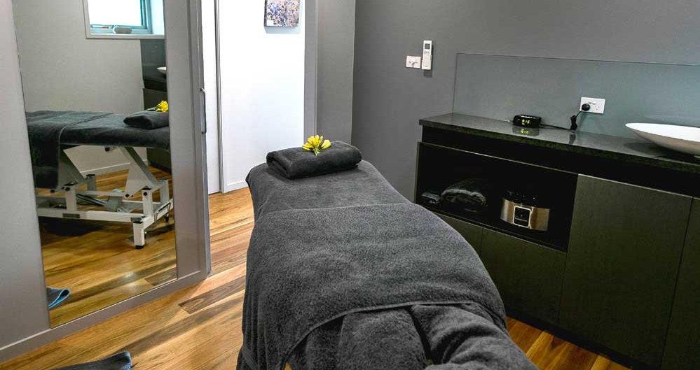 Middle-Rock-Massage_room.jpg
