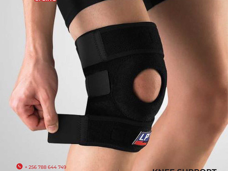 Knee support for delivery in Uganda