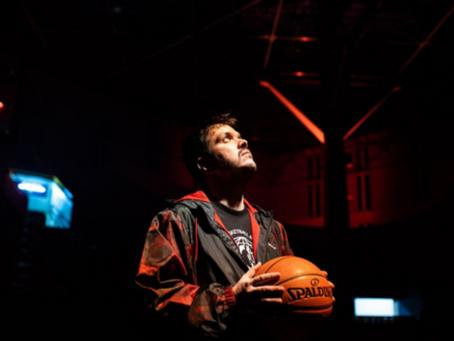 Budweiser e Gaules levam jogos ao vivo da NBA para a Twitch
