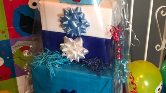 Boys 1-6 yr old Birthday gift basket_Elmo Says Hello!
