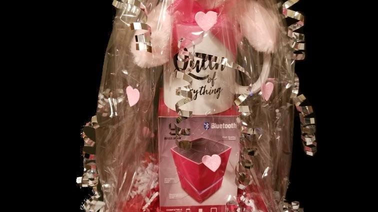 Women Small Valentine Basket