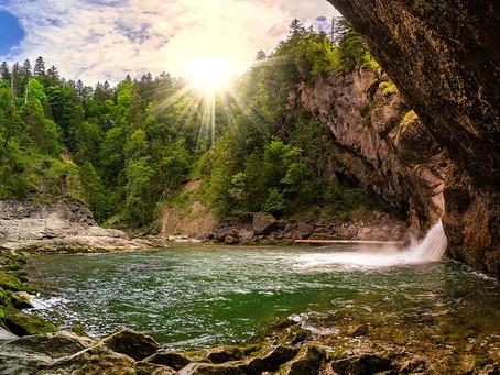 Wasserfälle, Schluchten & Höhlen