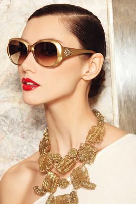 58786a6171e6c5c48bb8da931ca4c798--gold-sunglasses-oakley-sunglasses.jpg